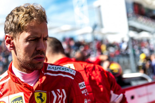 Vettel ontspannen na mislopen eerste startrij: 'We zien wel wat er gebeurt'