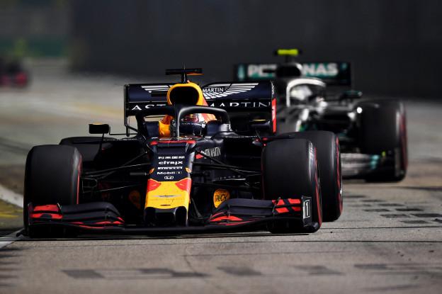 Brawn deelt sneertje uit: 'Ferrari en af en toe Red Bull maken het spannend'