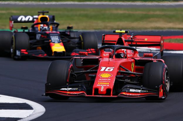 Leclerc weerspreekt revanchegevoelens richting Verstappen: 'Gewoon harder geracet'