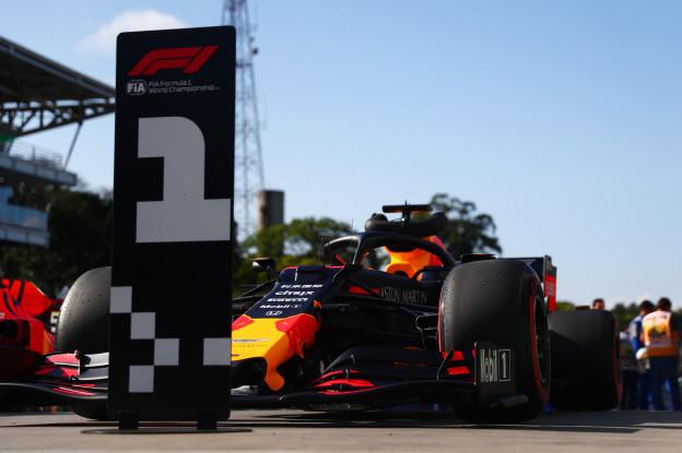 Hakkinen extatisch over Verstappen: 'Rijdt met zelfvertrouwen en ervaring in een machtige Red Bull'