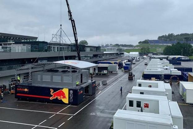 Dit is de situatie in de Red Bull Ring paddock
