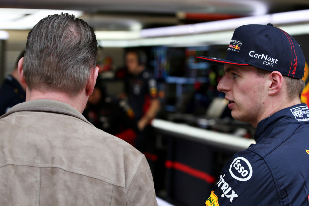 Van de Grint: 'Red Bull heeft geleerd, onder druk van de Verstappens'