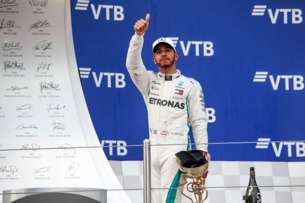 'Logisch dat Hamilton kampioen wordt, hij denkt tenminste na bij wat hij doet'
