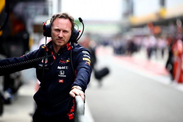 Horner: 'Mercedes en Ferrari lijken kwalificatiemodus te gebruiken na pitstops'