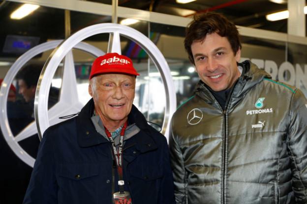Wolff bevestigt: Familie Lauda gaat aandelen Mercedes verkopen