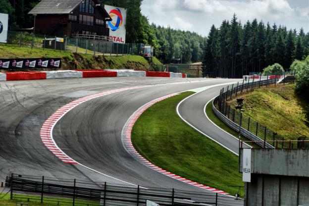 Spa verandert Eau Rouge vanaf 2022, wacht onderzoek van de FIA af
