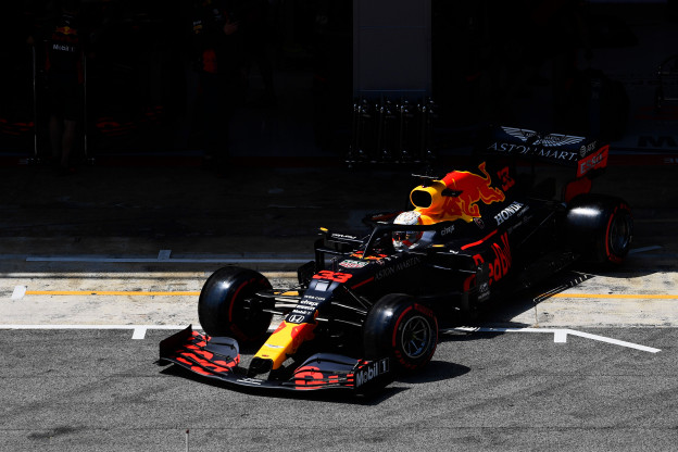 Kwalificatieduels | Verstappen houdt Albon op nulscore, Hamilton en Leclerc lopen uit