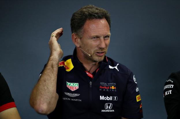 Hamilton sr. haalt uit naar Horner: 'Wolff doet dat en dus is hij een betere teambaas'