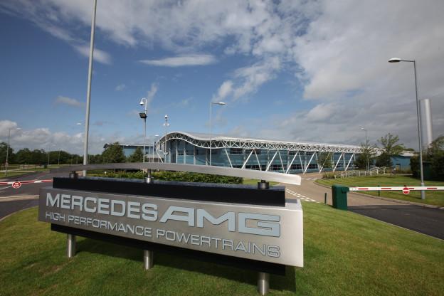 Mercedes koopt 20 procent van Aston Martins aandelen, invloed groeit
