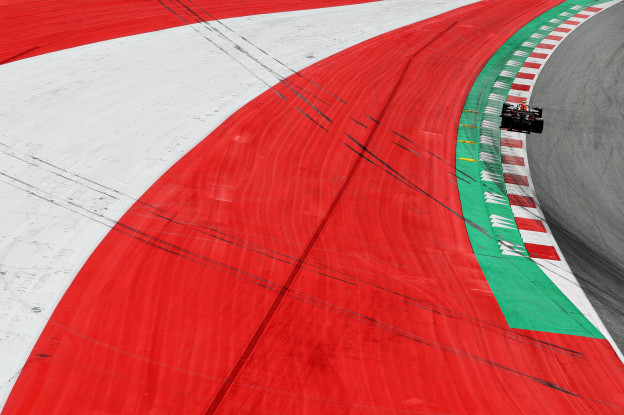 Boordradio's VT2 GP Oostenrijk | 'Wat is hij allemaal aan het doen?'