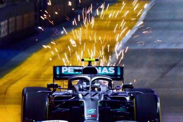 Bottas niet happy met Hamilton: 'Dacht misschien dat ik voor de lol zo langzaam reed'