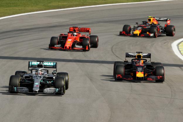 Sky Sports sluit seizoen af met respect voor Verstappen: 'Met vlag en wimpel geslaagd'