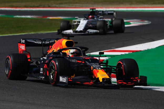 Button blij met zwakker Red Bull: 'Moeten nu vechten voor een podiumplaats'
