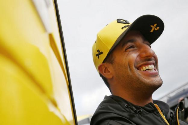 Ricciardo gaat Red Bulls aanvallen: 'Alles komt aan op bandenmanagement'