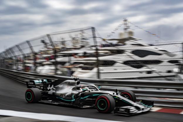 Hamilton over Leclerc-exit na Q1: 'Wij nemen dat soort risico's gewoon niet'