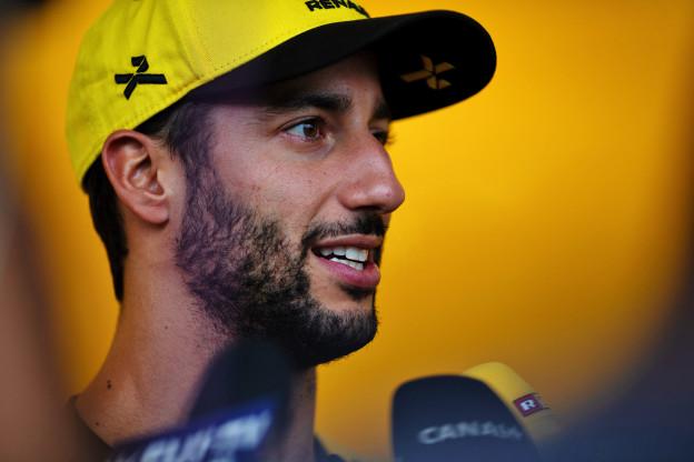 Ricciardo blij voor Verstappen: 'Knap dat hij het hier voor elkaar krijgt'