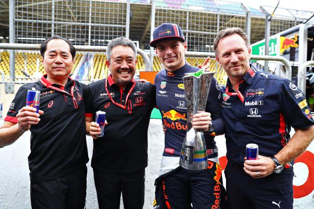 Verstappen knipoogt naar Marko en Horner: 'Met Red Bull wil ik het WK winnen'