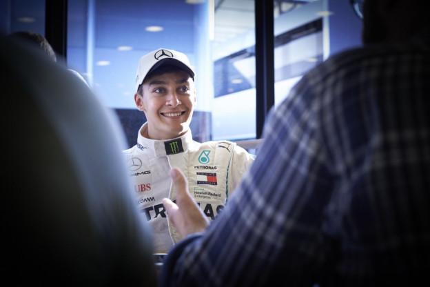 Ondertussen in de F1 | Russell maakt kennis met Frank Williams