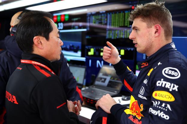 Kalff: 'Mercedes licht favoriet, Honda, Red Bull en Verstappen daar nét achter'