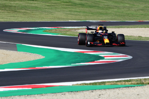 Ondertussen in Toscane | Flinke crashes F1, F2 én F3 in dezelfde bocht op Mugello