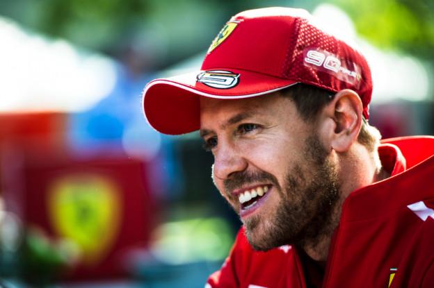 Schumacher een held voor Vettel: 'Ben al blij als ik in zijn buurt kom'