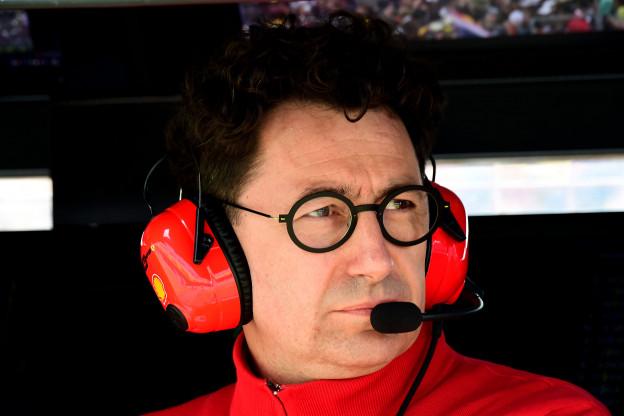 Binotto teleurgesteld in Vettel en Leclerc: 'Dit kost ons enorm veel geld'