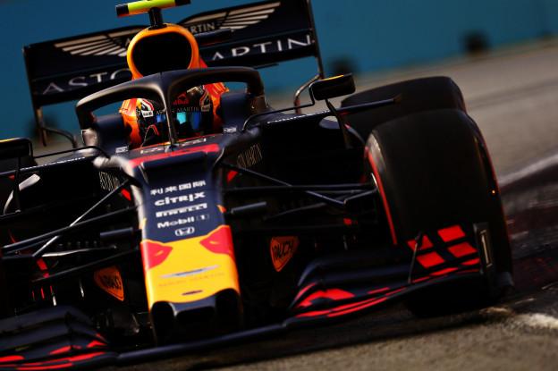 Red Bull en Ferrari hebben bandenvoordeel ten opzichte van Mercedes in Singapore