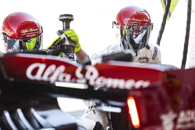 Alfa Romeo krijgt FIA-waarschuwing nadat medewerker klok verkeerd instelt