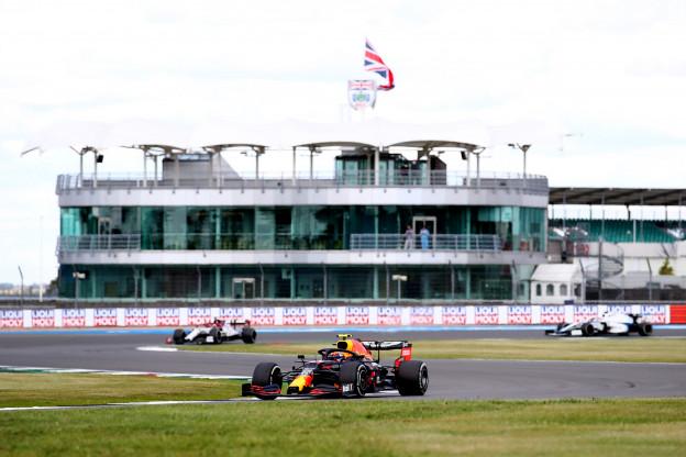 Pirelli wast handen in onschuld: 'Zachtere banden op aanvraag van de FIA'