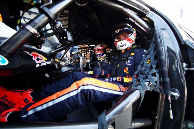 Update | Red Bull bevestigt nieuwe helmleverancier Verstappen: 'Schuberth'