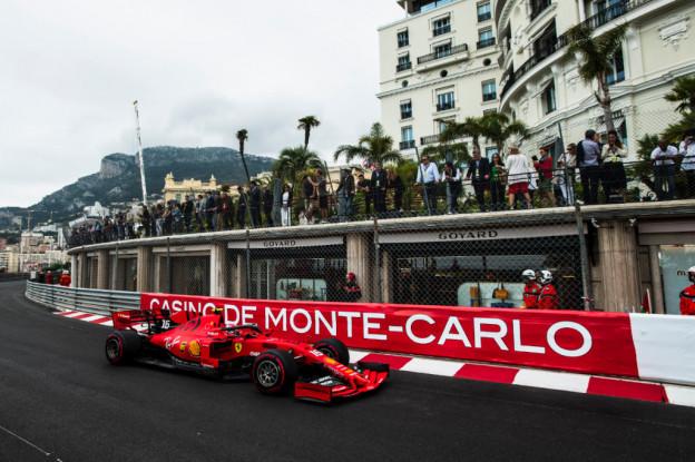 Vettel ziet achterstand Ferrari: 'Missen tempo in vergelijking met onze rivalen'