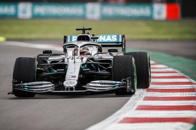 Hamilton ondanks missers tevreden met racestrategie: 'Verwijt het team niks'