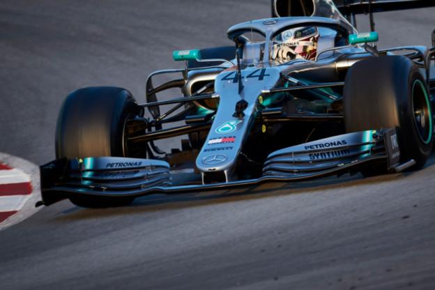 'Mercedes overstag en gaat net als Red Bull over op Ferrari-voorvleugel'
