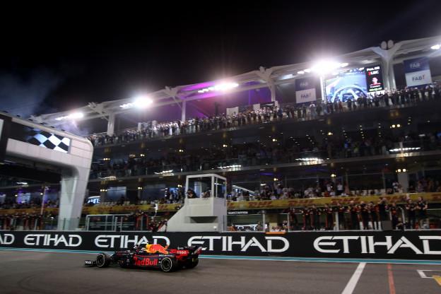 Verstappen in Abu Dhabi: 'Prachtig om te zien wat hij nu al los weet te maken'