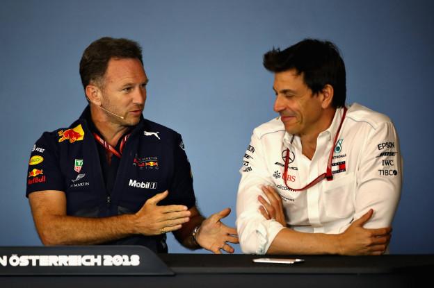 Horner: 'Kort seizoen misschien wel nodig om Mercedes op de proef te stellen'
