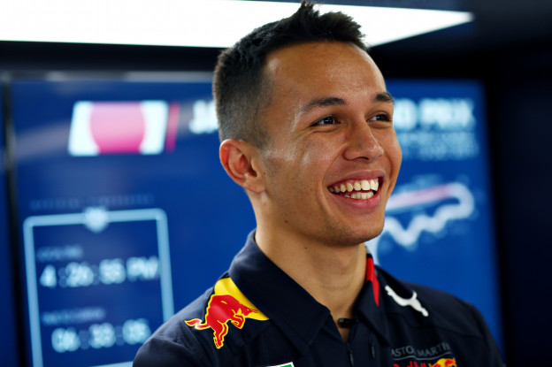 F1 in het kort | Albon laat Honda-evenement aan zich voorbij gaan
