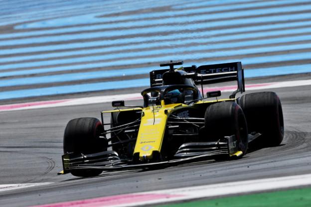 Formule 1-wagen Renault verlaagd voor test met 18-inch banden